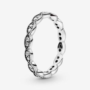 Pandora Sparkling Leaves Band Ring